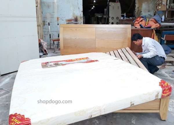 Giường vân gỗ sồi hiện đại