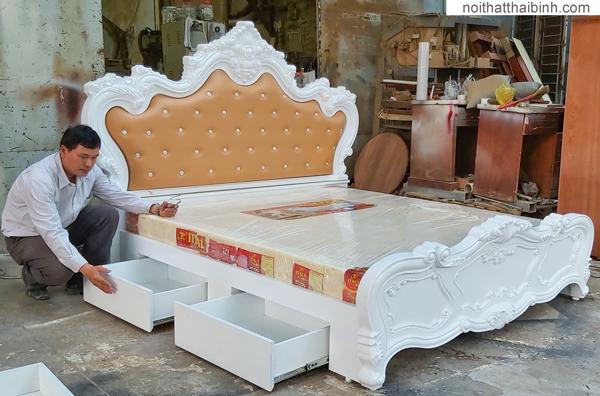 giường ngủ gỗ gia đình